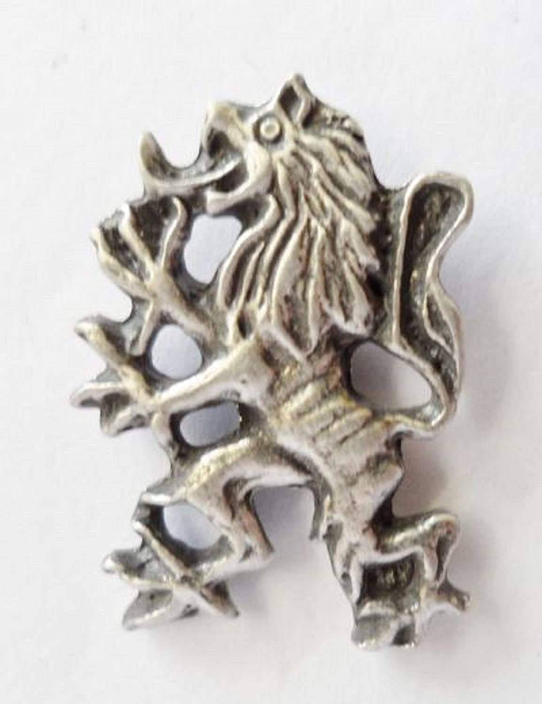 1000 Flags Scottish Scotland Lion Rampant Polished Pewter Pin Badge