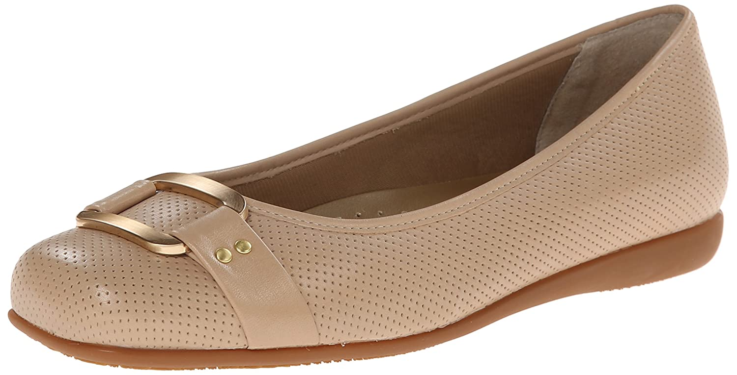 Trotters Women's Sizzle Flat B00LMI7SL8 7.5 N US|Nude Perforated