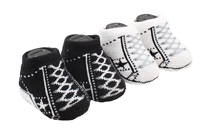 a19741311f1a4 Amazon.com: Converse One Star Infant Booties Socks-2 Pack: Clothing