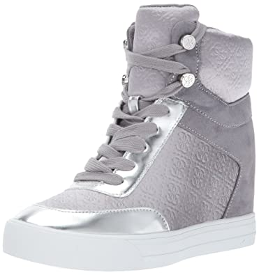 a14929184 GUESS Women s DAYLANA Sneaker Grey 7.5 Medium US