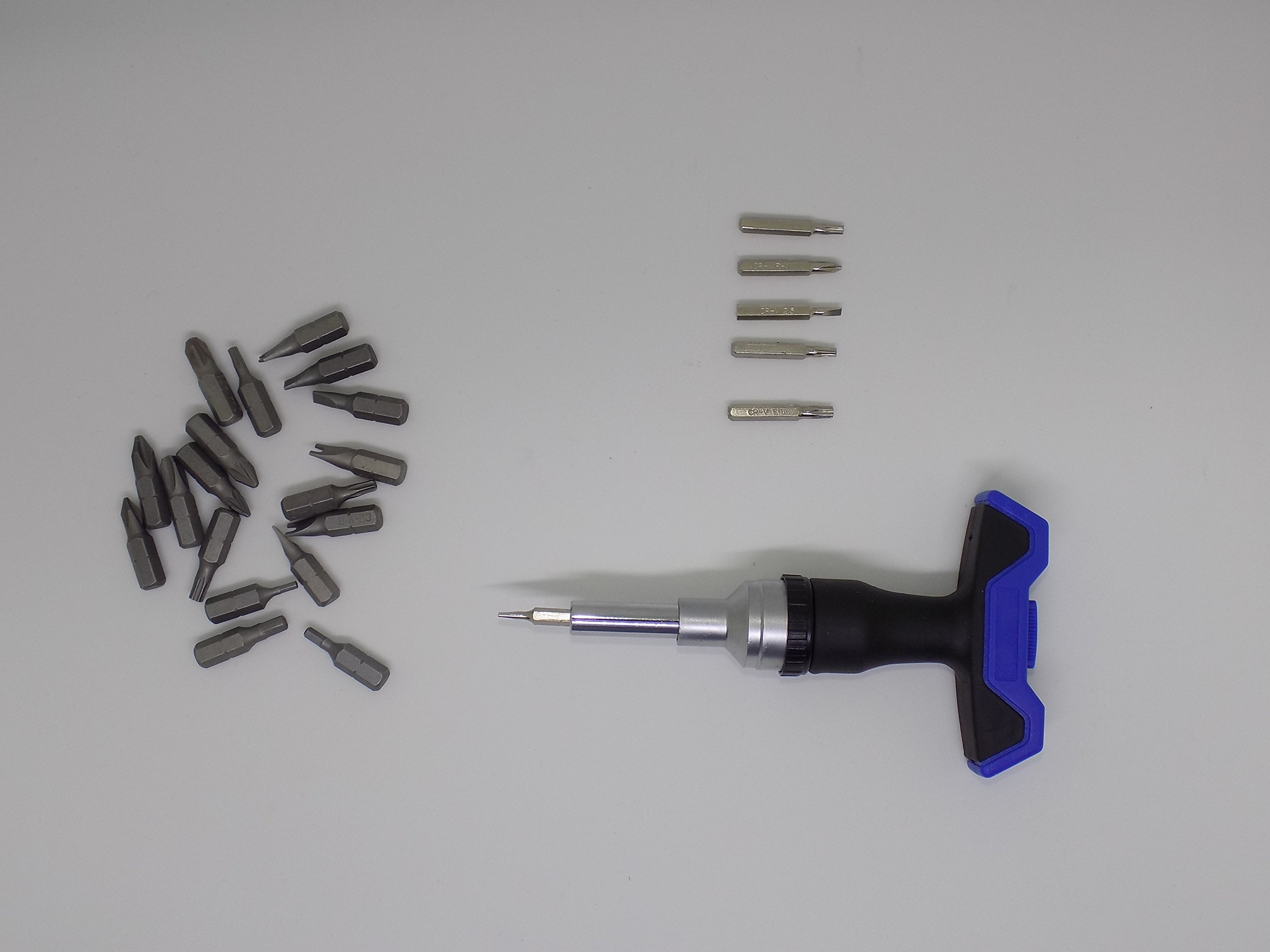 Screwdriver set, 26 can replace the high-strength screw head, removable more convenient, handle with forward and reverse conversion knob, can be used for daily maintenance of various home, demolition.