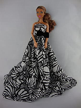 Amazon.com: Long and Flowing Gown in Black and White with Long ...