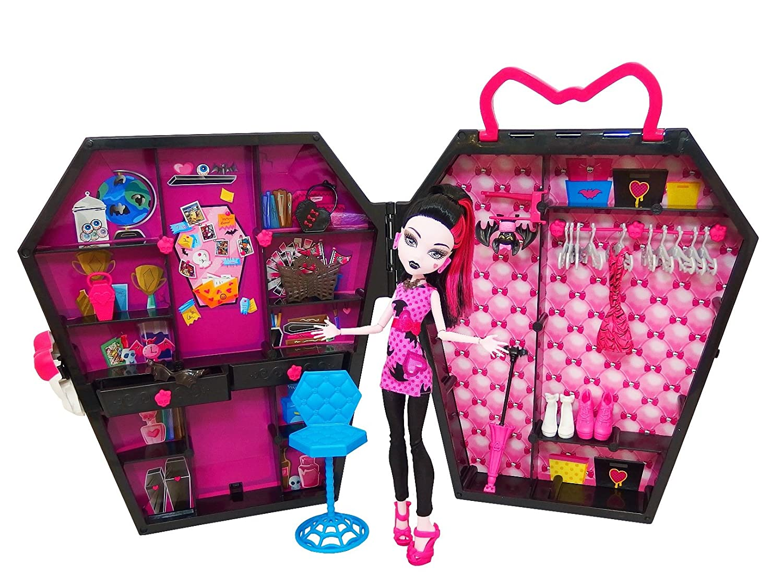 Amazon.com: Mattel BGT61 Monster High Doll Mattel Draculocker: Toys ...