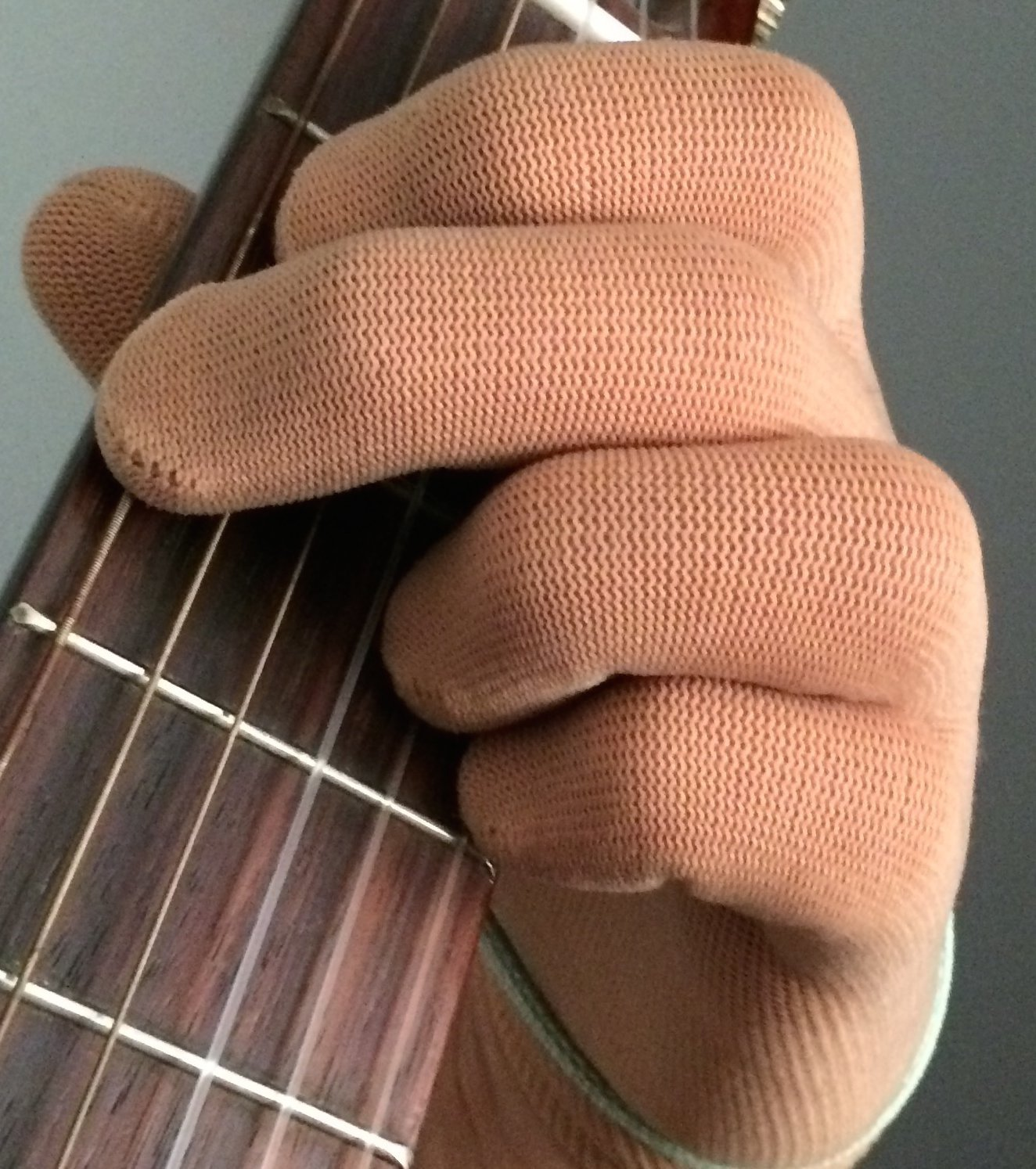 Fingerless gloves for guitarists - Amazon Com Guitar Glove Bass Glove Musician Practice Glove S 2 Pack Fits Either Hand Color Skin Tan Musical Instruments