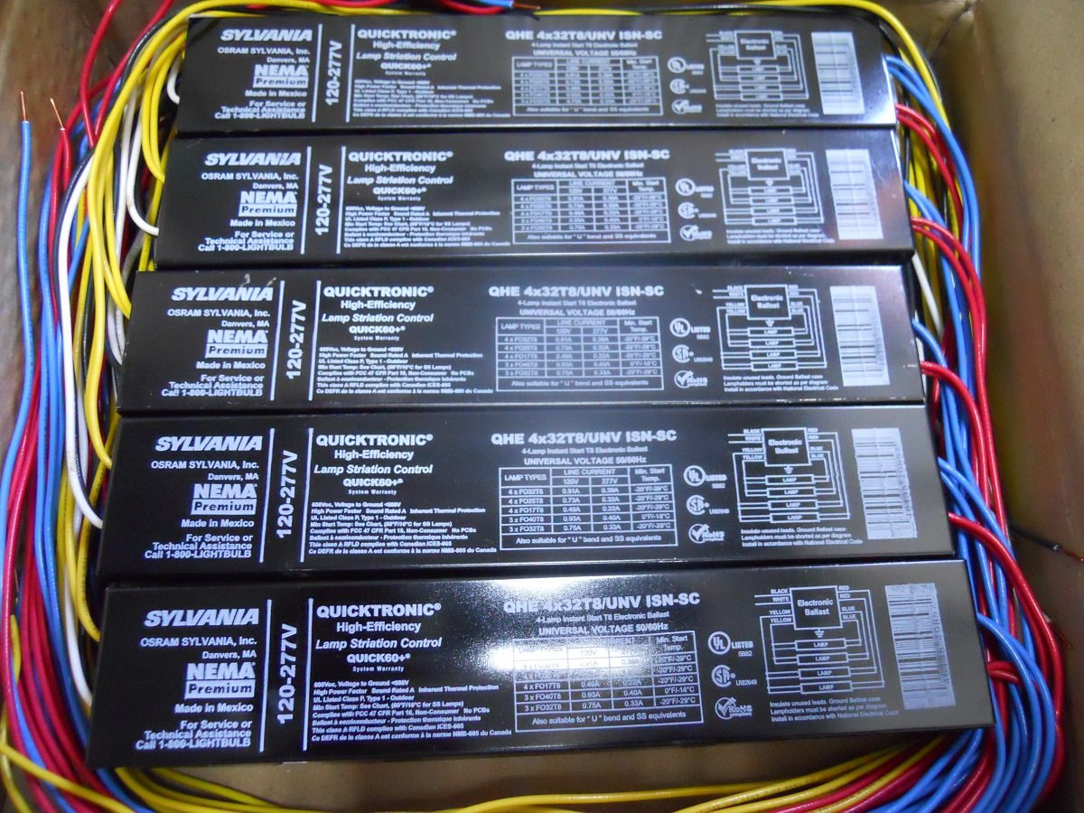 Brand New Case of 10 Electronic Ballast Sylvania Brand QHE4X32T8/UNVISN-SC for F32T8 4 feet lamps. Unknown