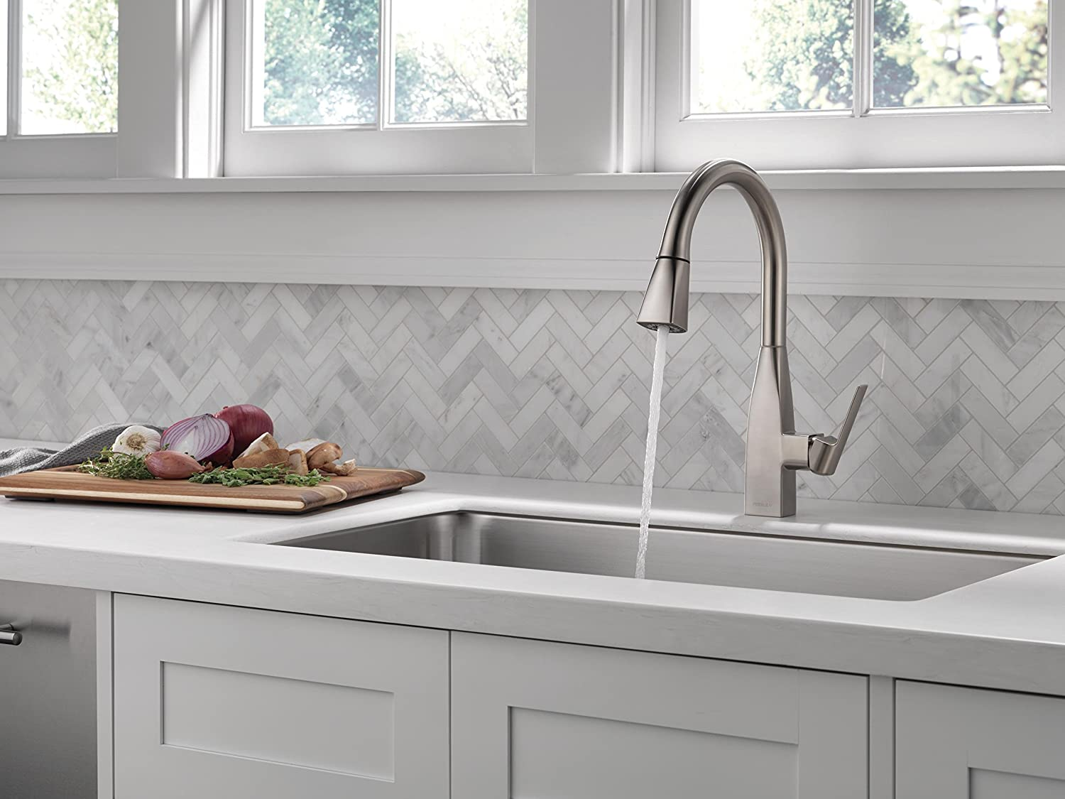 Peerless xander single handle kitchen sink faucet with pull down sprayer stainless p7919lf ss amazon com