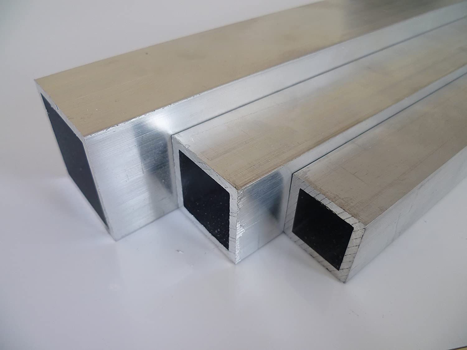 2/m 2000/mm +//-5/mm B /& T Metal Aluminium Square Tube 020X020X02/mm Made ALM gsi0,5//°F22/Schweissbar Suitable for Anodising Length Approx