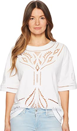 2bb01e86c6c Levi s® Premium Women s Made   Crafted Voodoo Lace Top Bright White Medium  at Amazon Women s Clothing store