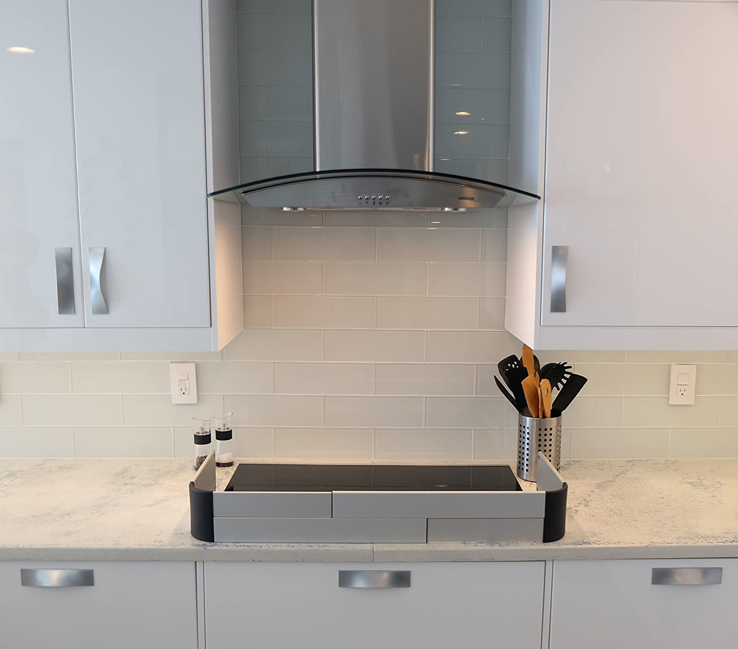 Easy to Install Complements Modern Kitchen Designs Protects from Front /& Sides Quick Removal for Cleaning QDOS ADHESIVE ALUMINUM STOVE GUARD Fits Cooktops /& Most Freestanding Stoves