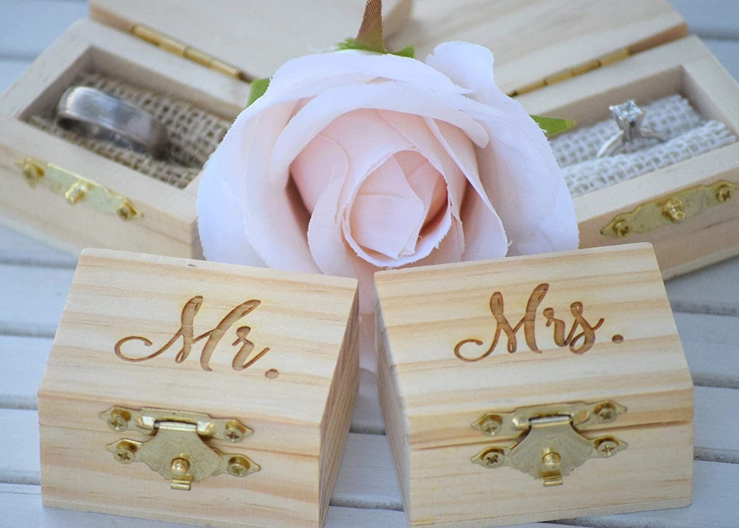 Amazon Com Mr And Mrs Ring Box Pillow Set Engraved Wedding Ring