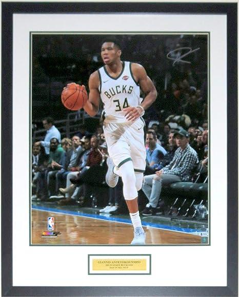 c85ed82be9870 Giannis Antetokounmpo Signed Milwaukee Bucks 2019 20x24 Photo ...