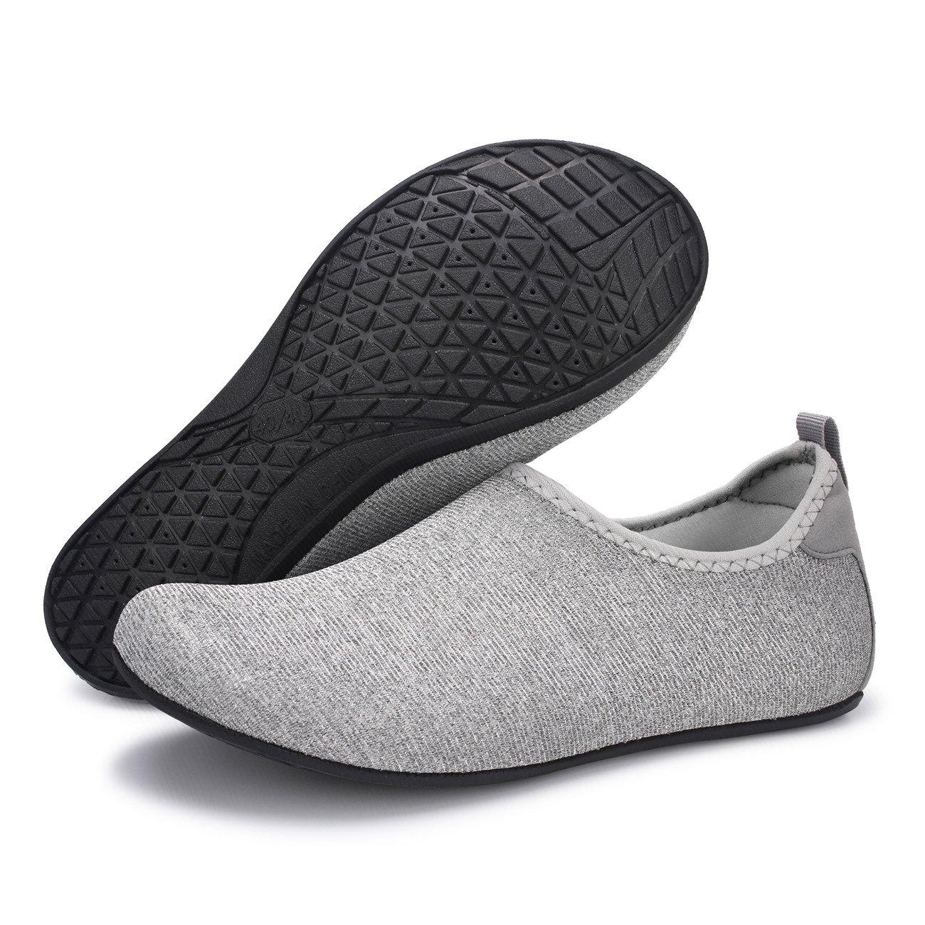 FEETCITY Hombres Zapatos de agua Zapatos de natación para mujeres de secado  rápido Descalzo Beach Surf Boat Yoga Sneakers Plata brillante d5cd4aec7f1
