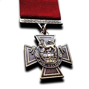 Medalla Militar Cruz Victoria La Mayor Decoración Militar Para Valor Nuevo Copia Rara: Amazon.es: Juguetes y juegos
