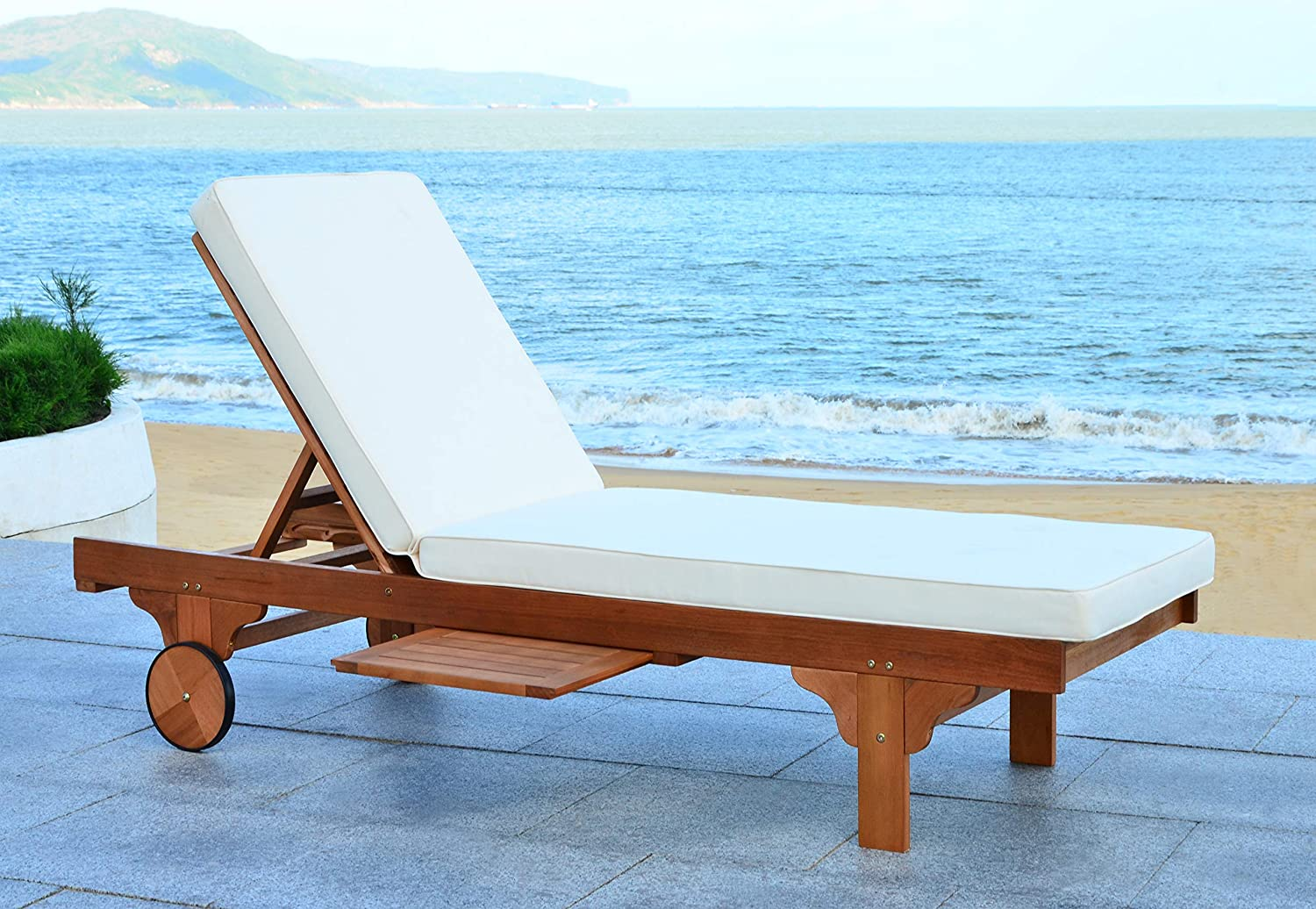 Safavieh Newport Chaise Lounge Chair - For Big & Heavy People on Safavieh Chaise Lounge id=66729