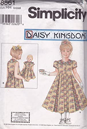 """647fe50a8 Patrón de costura Simplicidad 8561 makes a juego vestidos para muñecas de  18 """"y"""