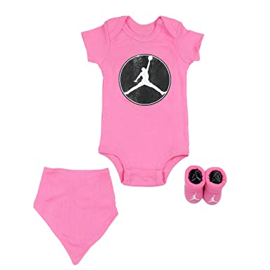 22b76f55e1a91b Amazon.com  Air Jordan Infant 3 Piece Box Set  Clothing