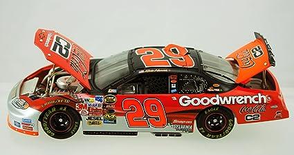 1//24 KEVIN HARVICK #29 COCA-COLA C2 2004 ACTION NASCAR DIECAST