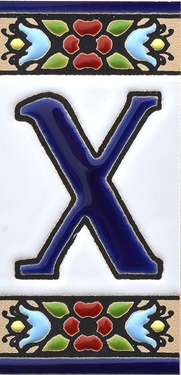 """Image of Letreros con numeros y letras en azulejo de ceramica, pintados a mano en técnica cuerda seca para nombres y direcciones. Texto personalizable. Diseño FLORES MINI 7,3 cm x 3,5 cm. (LETRA """"X"""")"""