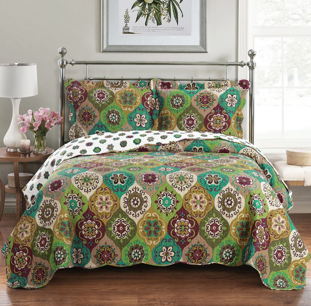 Elegant and Contemporary Bonnie Reversible Quilt/Coverlet Bed in a Bag, Exquisite Bed Ensemble Includes Printed Oversize Quilt/Coverlet Set & Solid Sheet Set, 8PC Split King (Adjustable Bed) Set