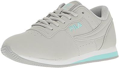 aeaa4d983596 Fila Women s Machu 2 Walking Shoe