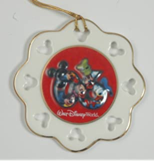 84dd028555a77 Amazon.com  Mickey Mouse 2007 JC Penny s Snow Globe  Home   Kitchen