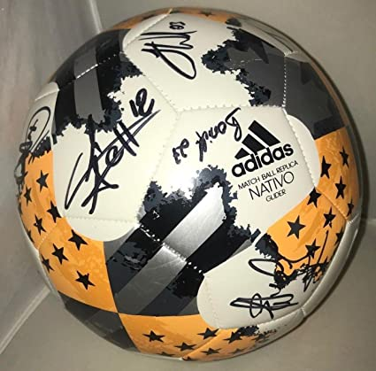 official photos 9280f 8fe03 Houston Dynamo 2018 team signed Size 5 MLS Adidas Soccer ...