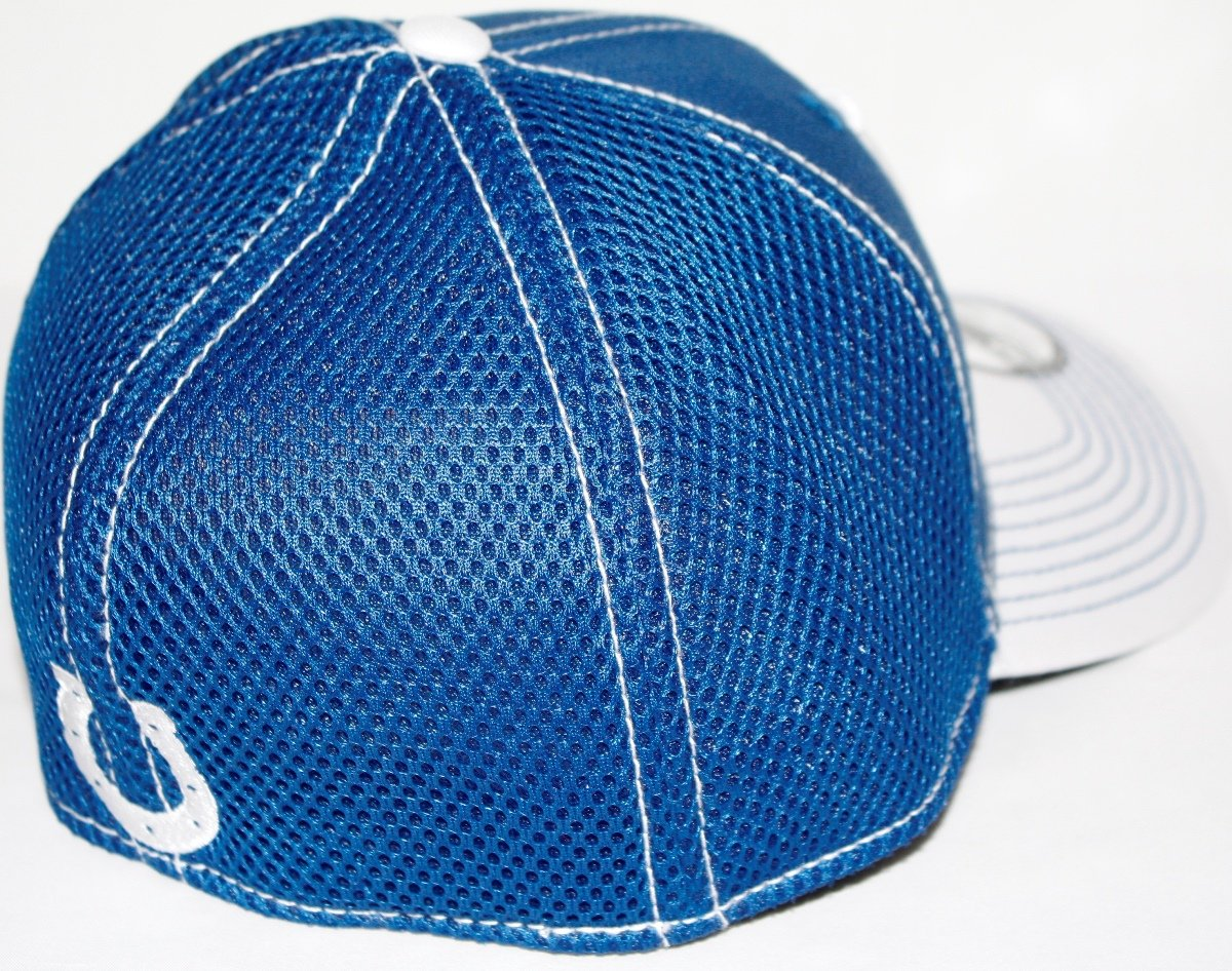 more photos b1e04 fdd81 Amazon.com   Indianapolis Colts New Era NFL 39THIRTY Blitz Neo Fitted Hat -  2 Tone   Sports   Outdoors