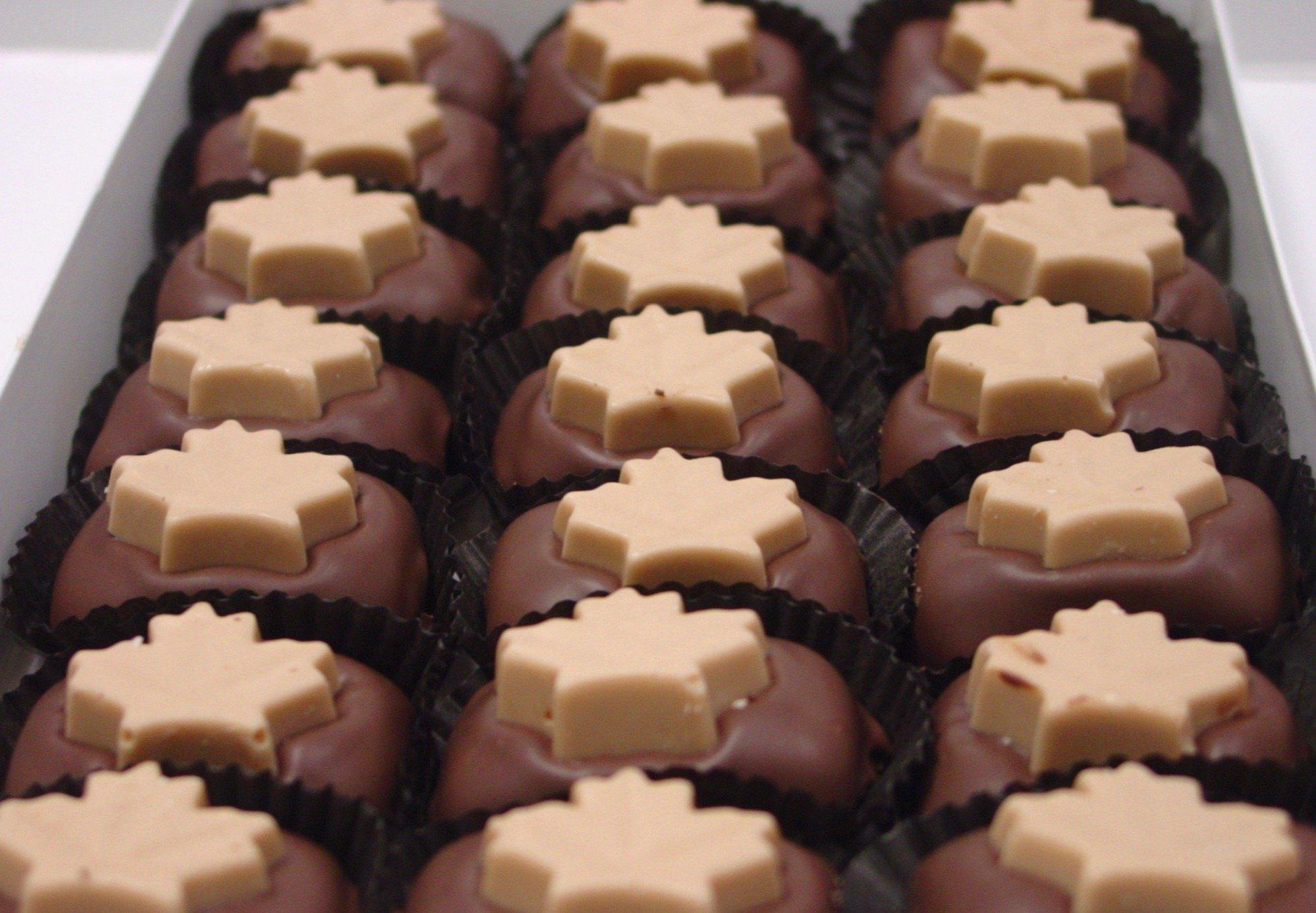 Diabeticfriendly's Sugar Free Milk Chocolate Covered Maple Creams, 21 pcs 18 oz by Diabetic Friendly