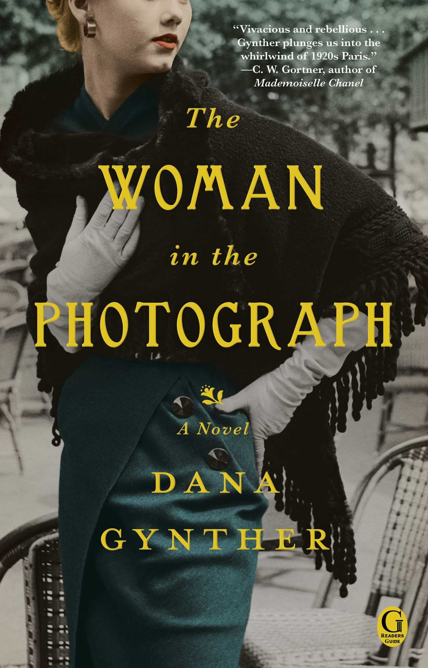 Amazon: The Woman In The Photograph (9781476731957): Dana Gynther: Books