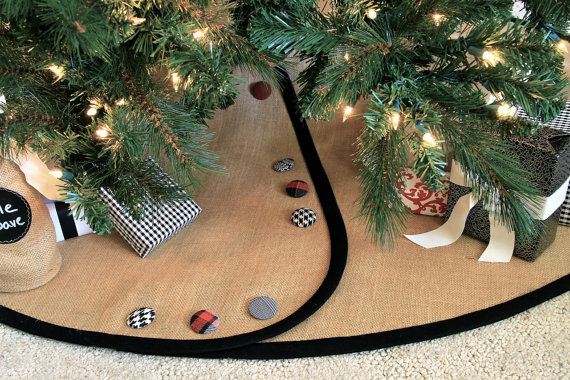 Christmas Tree Skirt (Black Wool + Bright Red / Green Buttons)