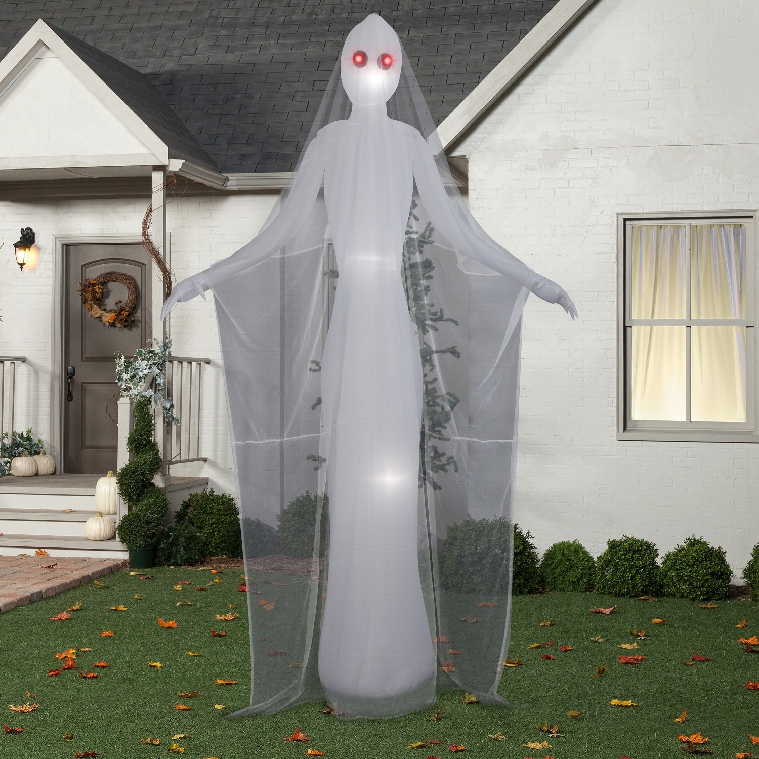 Halloween Inflatable 12' Giant Spooky Ghost Spirit Woman By Gemmy