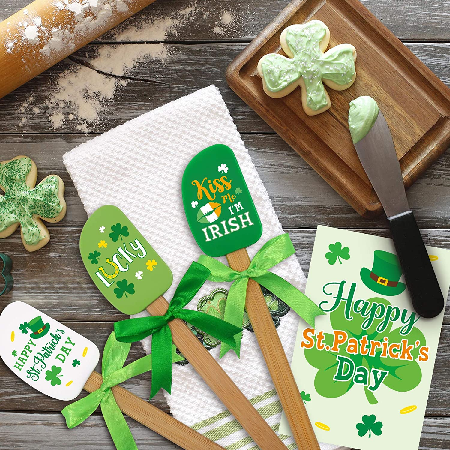 3 Piece St. Patrick's Day Silicone Spatula Set 450°F Heat Resistant Kitchen Spatulas Cooking Baking Mixing Supplies with Saint Paddy's Day Greeting Card St. Patrick's Day Gift