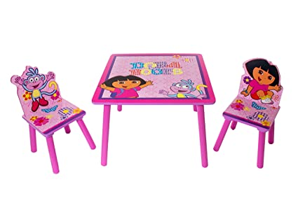 Dora the Explorer y botas para niños mesa de madera y dos