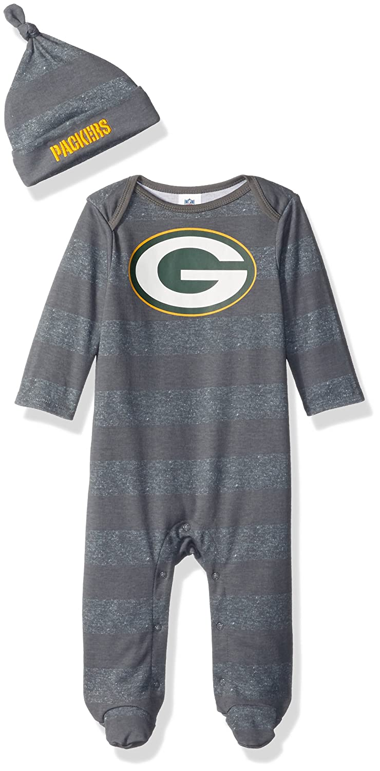 6f49d2279417c Amazon.com : NFL Green Bay Packers Unisex-Baby Sleep 'N Play & Cap Set,  Packers, 3-6 Months : Clothing