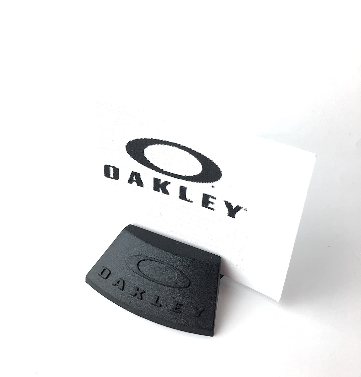 Amazon.com: Oakley Sunglass Holder In-Case Display Stand 2.0 Black ...
