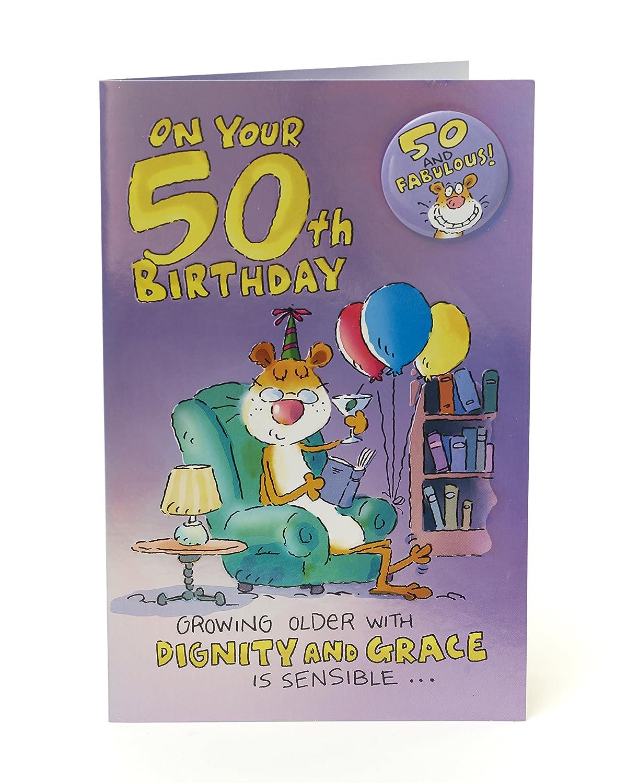 Divertida tarjeta de 50 cumpleaños con insignia - 50 y ...