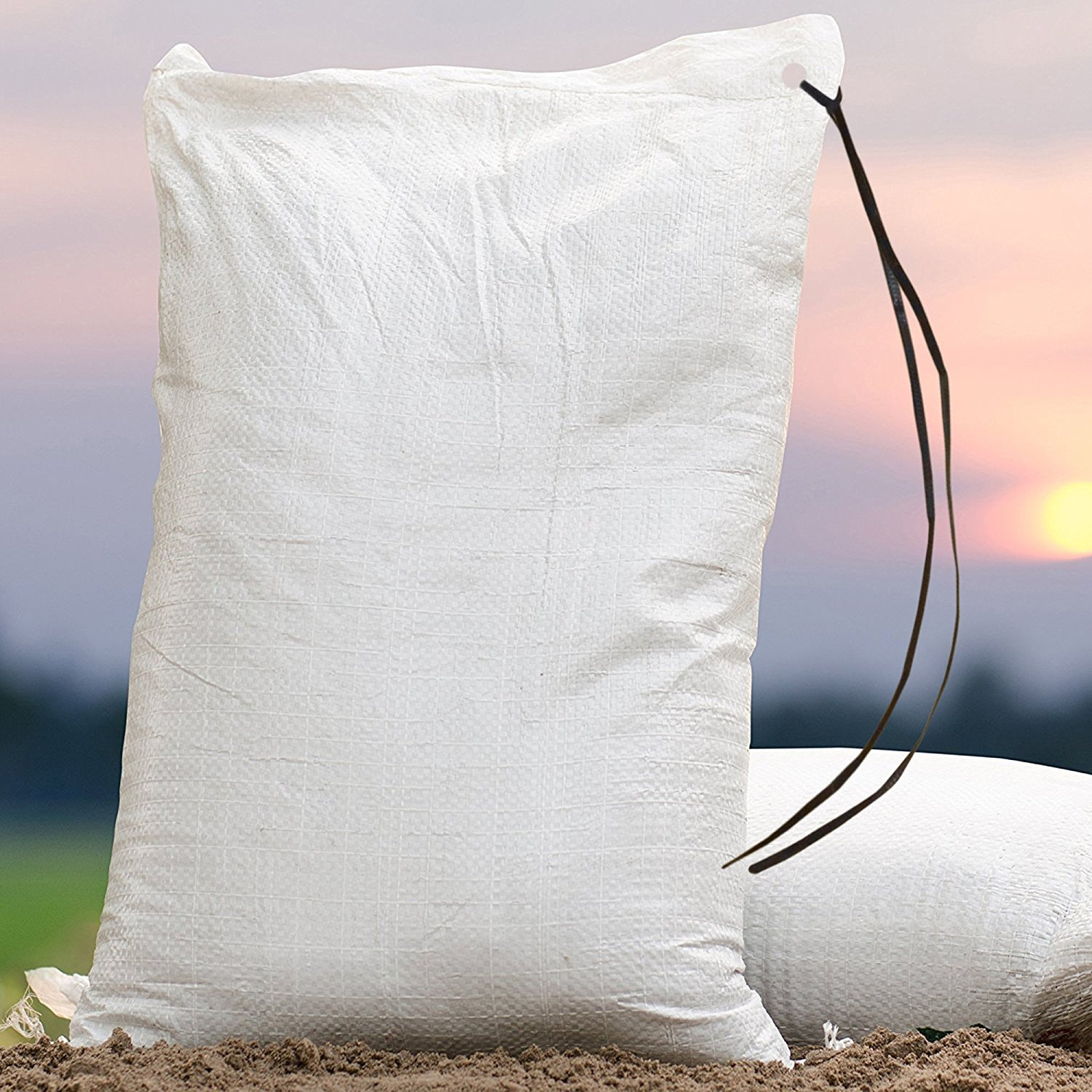 TOTALPACK -14'' x 26'' - Military-Strength Sandbags, Waterproof Polypropylene Tightly-Woven Sand Bags, Tear-Resistant Bags With Ties, Maximum UVI Protection, USA-Made Bags For Barriers, (100) White Ba