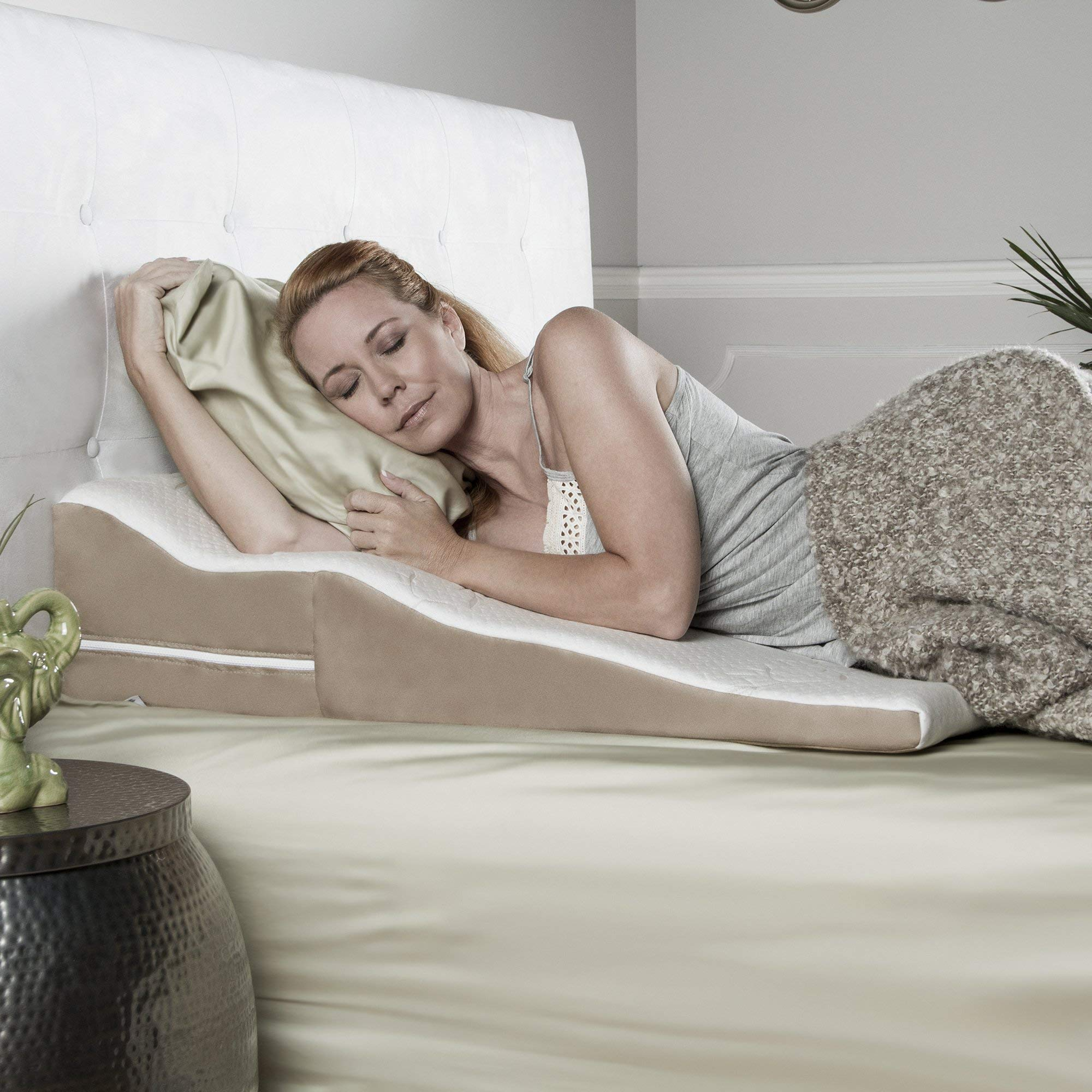 Avana Contoured Bed Wedge Support Pillow for Side Sleepers with Gel-Infused Cooling Memory Foam by Avana
