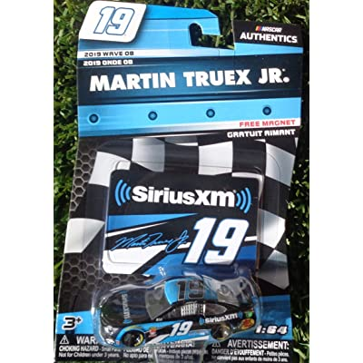 NASCAR Martin Truex Jr #19 SiriusXM 1:64 Scale Die-Cast Car 2020 Wave 08: Toys & Games