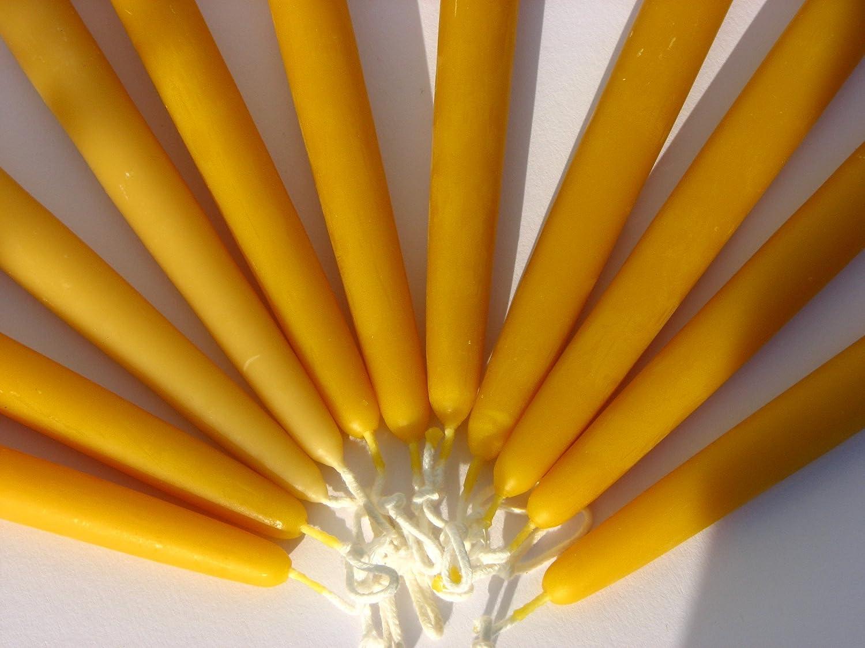 Figura Santa 10 candele da tavola 100% in cera d'api da apicoltura. Altezza 25 cm. Le candele sono di originale manifattura della foresta nera.