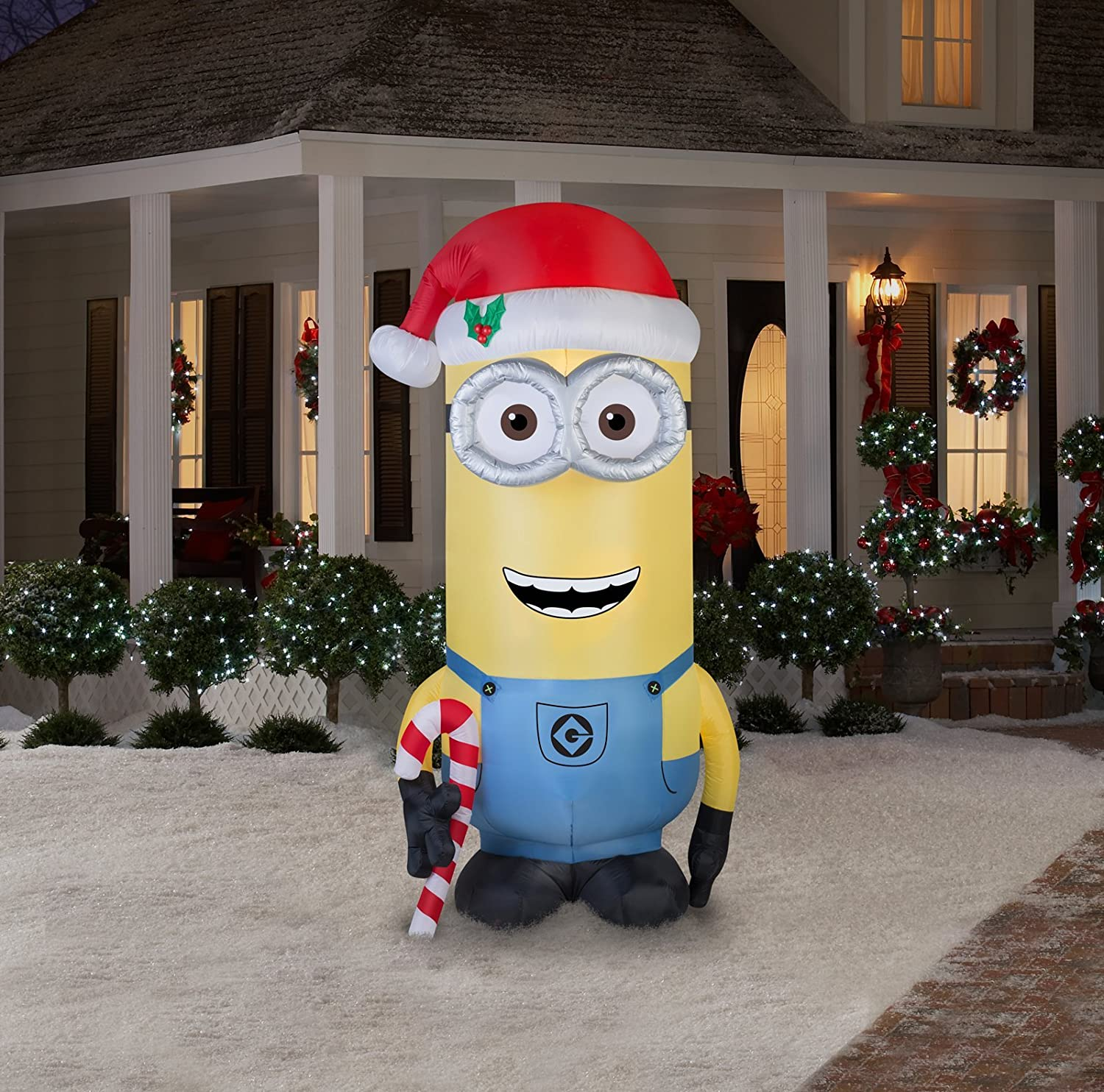 Amazon.com: Gemmy Airblown Inflatable Kevin the Minion Holding a ...