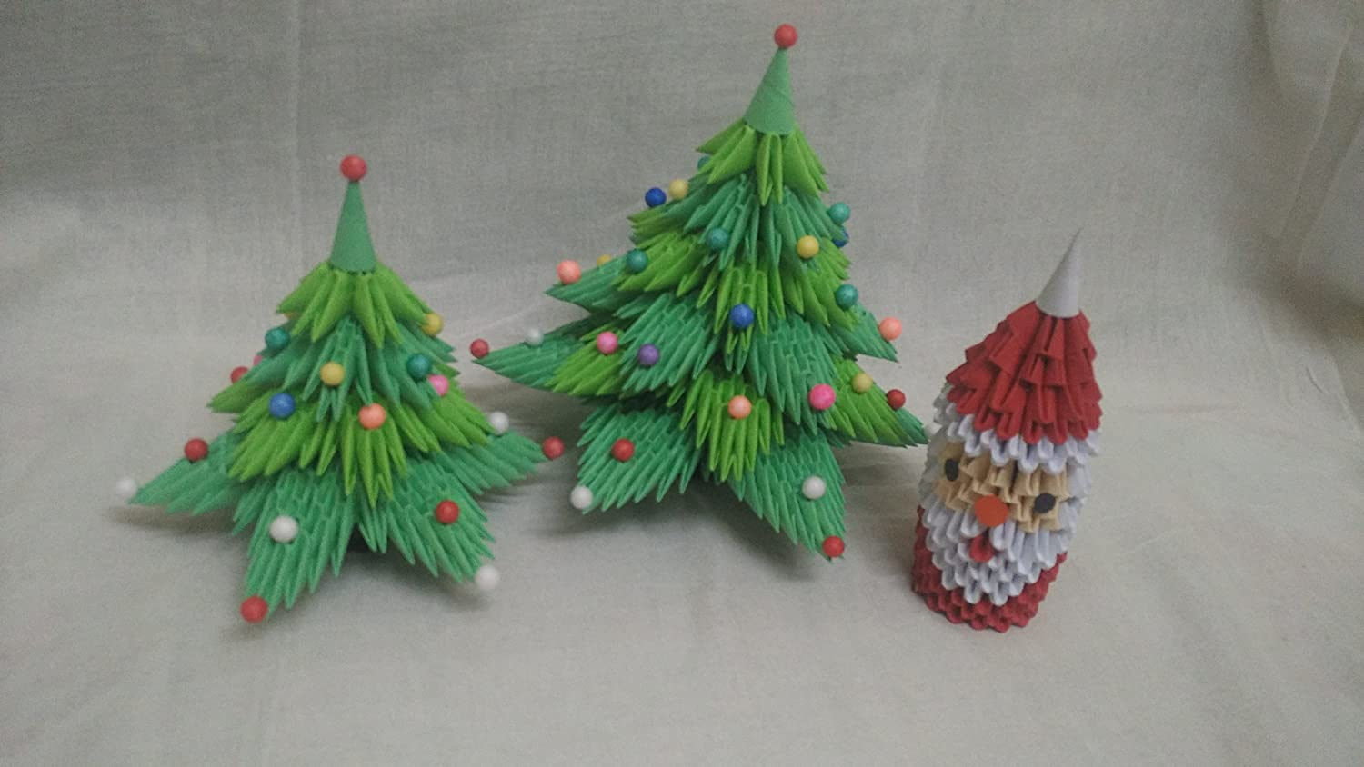 3D origami Santa Claus Father Christmas decoration isolated on ... | 844x1500