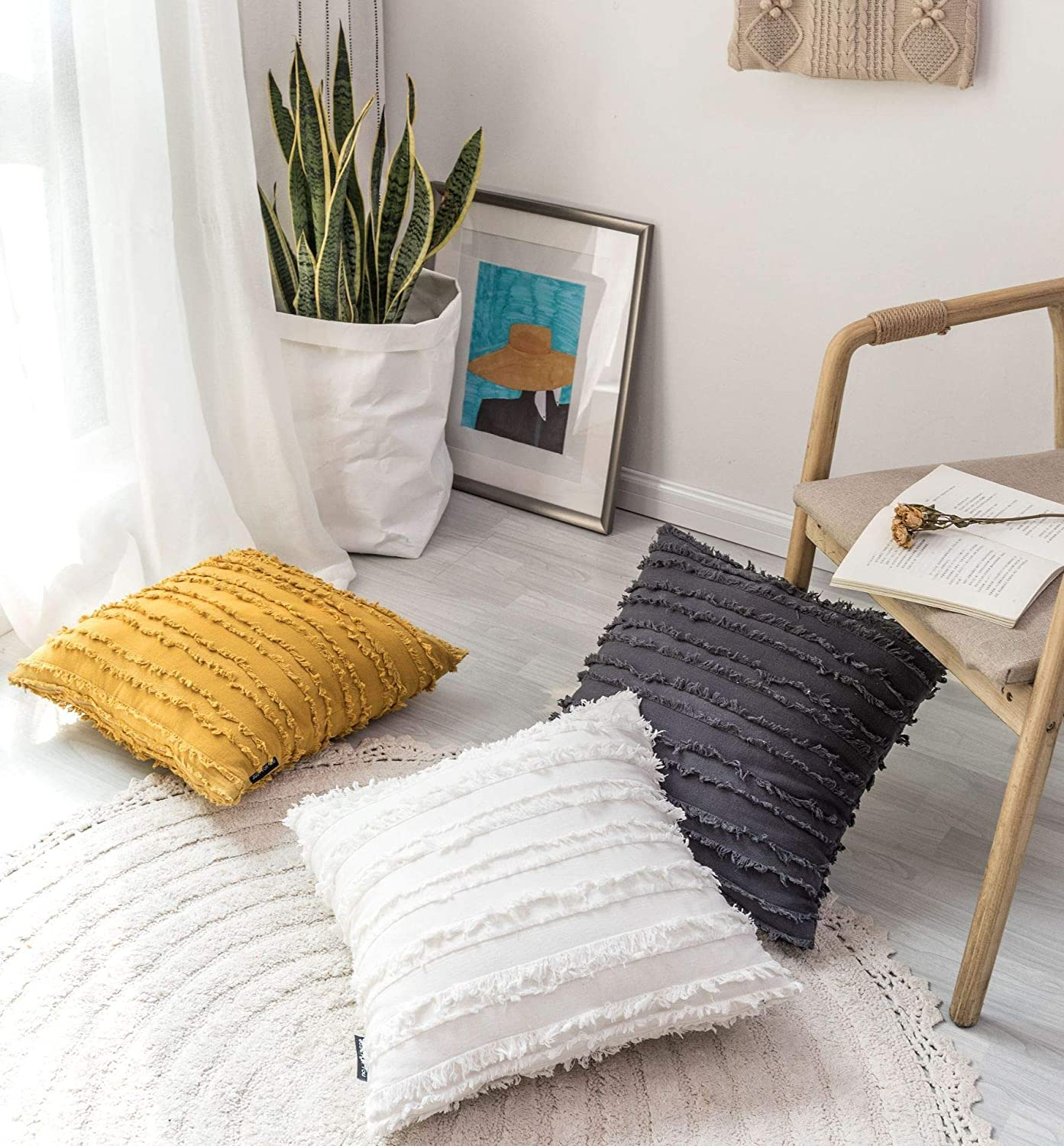 Ltd White and Black Decorative Throw Pillow Covers Hug This When You Miss Me Cute Woven Accent Cotton Square Cushion Case Casual Life Sofa Couch Toss Pillowcase Nook 18 X18 Inches QuZhou Jintai E-commerce co PC170315A