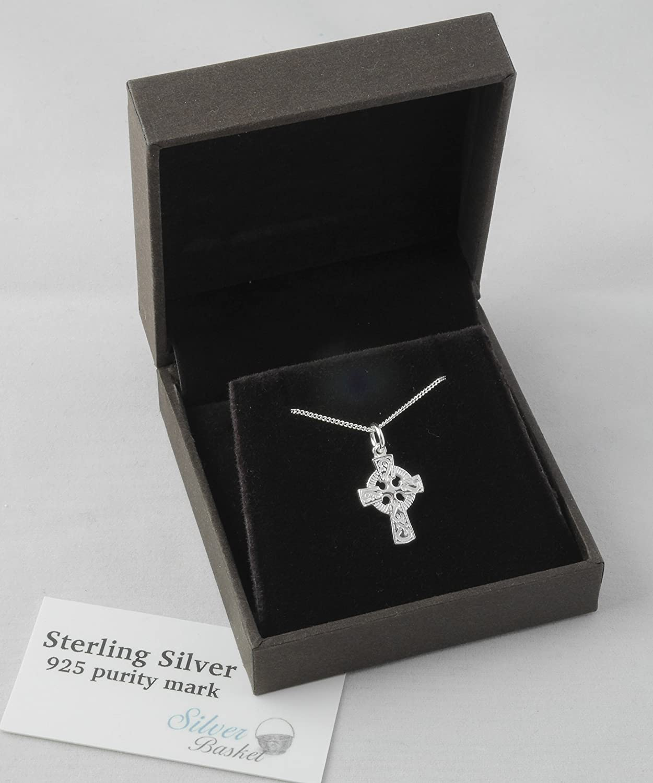Argent sterling Croix Celtique Collier pour bébé. Bijoux en argent pour célébrer un baptême ou de baptême Silver Basket 131