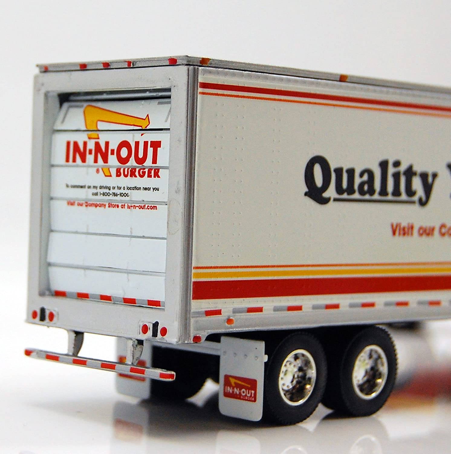 Amazon Com In N Out Burger 1 64 Peterbilt Die Cast Truck Toys Games