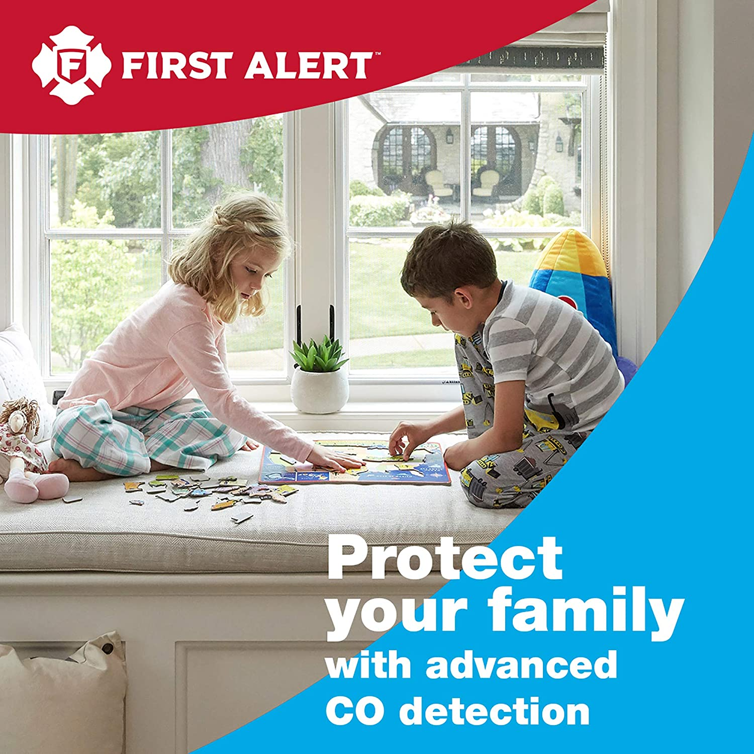 First Alert Dual-Power Plug-In Carbon Monoxide Detector with Battery Backup and Digital Display, 3-Pack, CO615