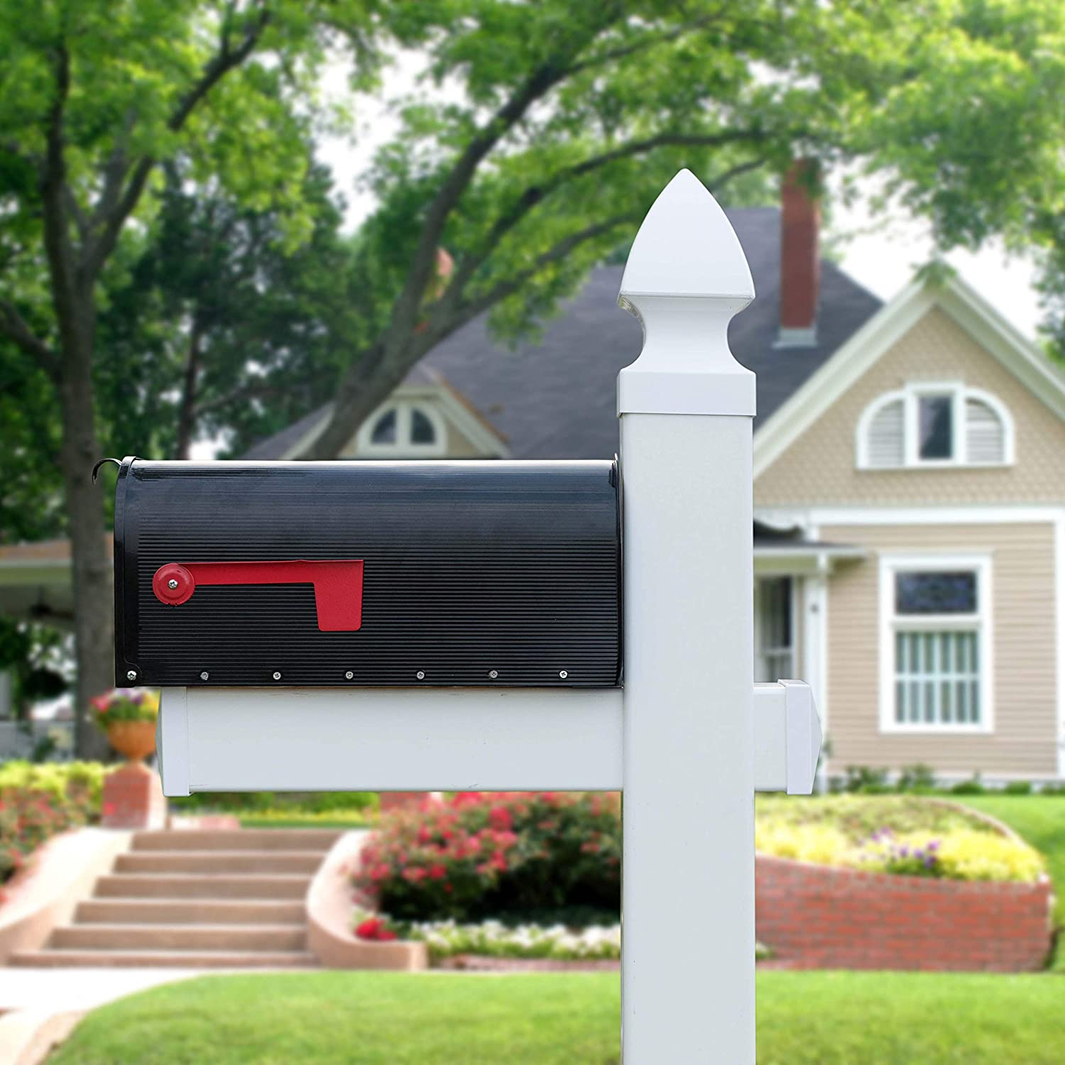 Gardenised QI003851 Metal Mailbox with White Vinyl Mail Post