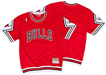 best loved db42f 9ef0f Mitchell & Ness Chicago Bulls NBA Men's Authentic Shooting T-Shirt