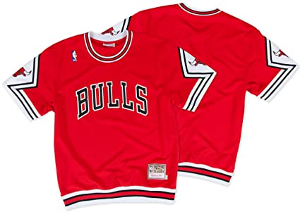 dd07fe3e825 Chicago Bulls NBA Mitchell   Ness Men s Authentic Shooting T-Shirt (Red