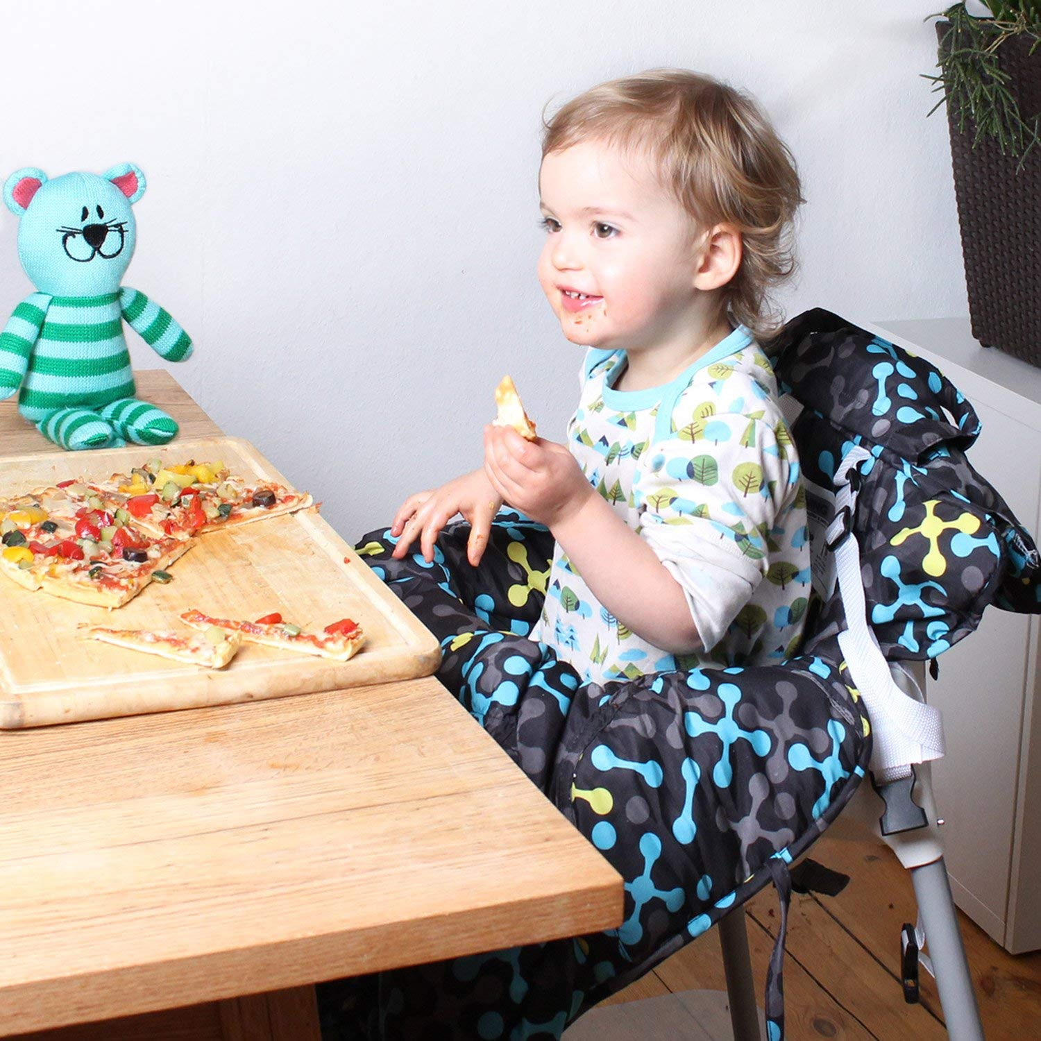 Soft Comfort Cushioning Universal Size Protects Against Germs Easy Install Premium Shopping Cart Cover /& High Chair Cover Harness System Whale